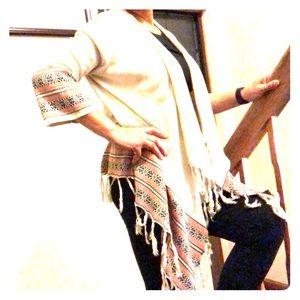 F21 Boho Aztec tassel kimono w/bell sleeve.